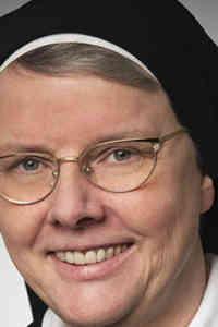 Sería simplemente natural que las mujeres fuéramos sacerdotes
